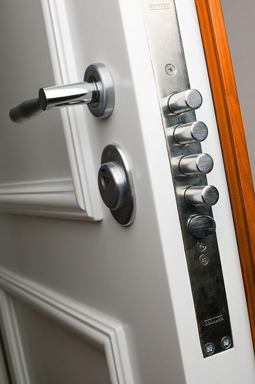 remplacement serrure lyon d pannage de votre serrure 24h 24 7j 7. Black Bedroom Furniture Sets. Home Design Ideas